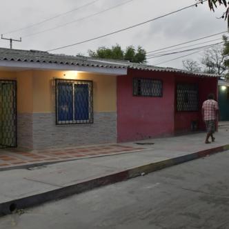 En esta calle fue ultimado Roberth Enrique Jaramillo Acevedo, 25 años,  de 12 disparos, al parecer era vendedor ambulante.