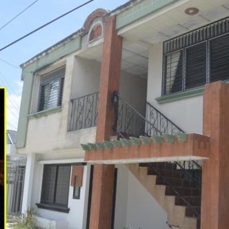 En el segundo piso de esta casa en el barrio La María (Sincelejo) residió Iván Andrés Almanza Ortega. | AL DÍA