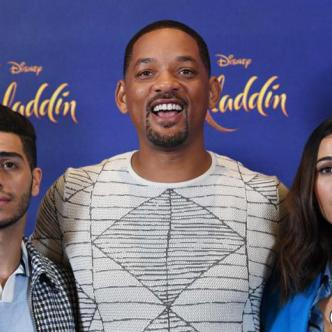 Los protagonistas de 'Aladdin' Mena Massoud, Will Smith y Naomi Scott, en el preestreno del filme.