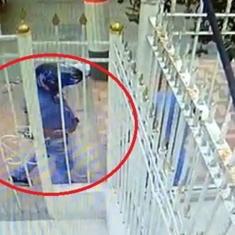 Imágenes del video de cámara de seguridad del momento del robo.