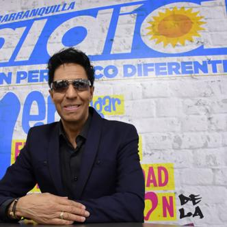 Bonny Cepeda, es uno de los grandes del merengue. Es cantautor, pianista, productor y director de orquesta.