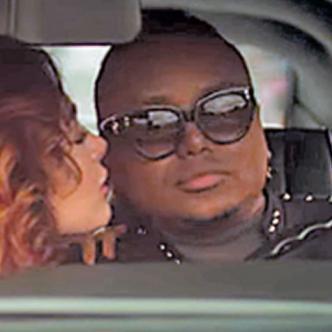 El video de la canción oficial fue rodado en la ciudad de Bogotá.