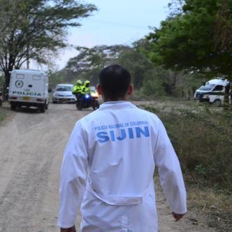 Miembros de la Sijín realizan inspección en el lugar de los hechos en Bosconia. | Néstor de Ávila