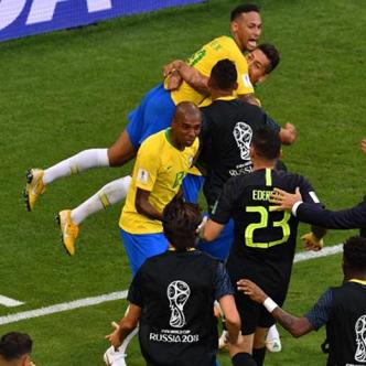 Brasil vence 2-0 a México y se clasifica a los cuartos de final de Rusia 62fc75f3d6e7e