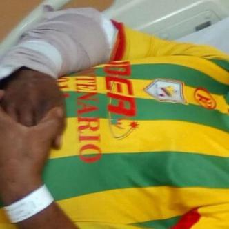 Fracturas en el brazo y las costillas, tiene Giovanny luego de ser atacado por un Venezolano en el barrio Andalucia.