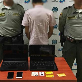Según los investigadores, el joven de 16 años hace parte de una 'red de hackers'. | Al Día
