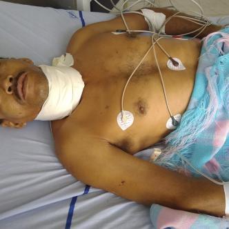 Con un profundo corte en el cuello y tres puñaladas en la espalda resultó Milton Rafael López Crespo durante un atraco en Tierra Nueva (Puebloviejo).