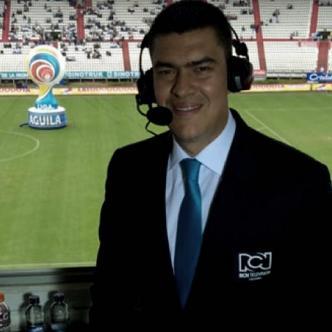 Eduardo Luis es conocido por su particular manera de narrar los encuentros del fútbol colombiano | El Heraldo