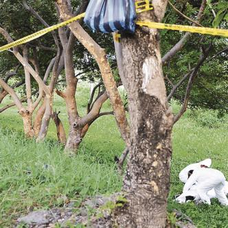 Las autoridades indicaron que la zona donde fue encontrado el cuerpo es de díficil acceso.