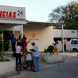 Los afectados fueron llevados a la Clínica Campbell de la carrera 30 donde recibieron los primeros auxilios  | El Heraldo