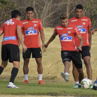 Junior retornó ayer a entrenamientos luego de volver de suelo vallecaucano, en donde empataron 0-0 el miércoles pasado ante Deportivo Cali por la fecha 16 de la Liga Águila.