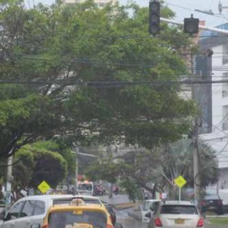 Semáforos ubicados en algunos puntos del barrio San Vicente dejaron de funcionar.| Johnny Olivares