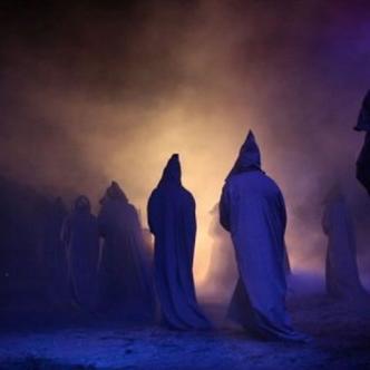 Los monjes llevaron al cura al río y desapareció.