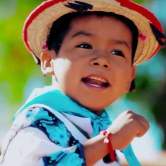 esta versión fue interpretada por el niño wixárika  Yuawi López, de nueve años y nacido en Sierra Alta (Jalisco)   YouTube