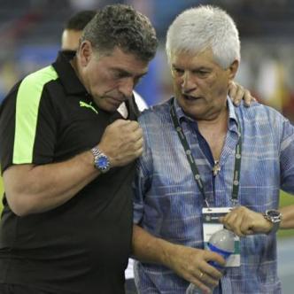 Luis Fernando Suárez y Julio Avelino Comesaña en el partido que Equidad y Junior disputaron en el estadio Metropolitano el 15 de noviembre pasado. | Archivo