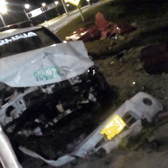 Una de las hipótesis sobre la causa del accidente es el exceso de velocidad. En la imagen la camioneta accidentada.
