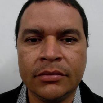 El educador Roger Ortiz Carbonó fue detenido por el CTI Ciénaga por presuntamente tener relaciones sexuales con una joven desde que tenía 13 años.