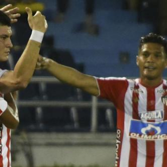 Festejo de los jugadores de Junior anoche ante San Lorenzo.