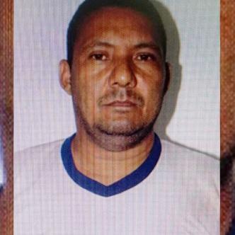 Álvaro Rolón, de 45 años, de profesión soldador, estaba en la salida de la finca con un saco en el hombro | Al Día