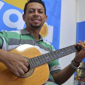 Wilfrido Sierra Mendoza es el serenatero vallenato de las redes sociales.