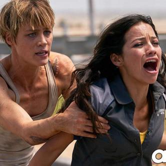 Natalia Reyes (derecha) en una de las escenas.