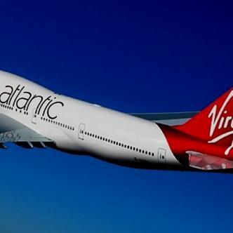 Los pasajeros fueron bajados del avión por la policía apenas aterrizó el vuelo.| Tomada de: El Nuevo Día.
