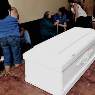 El menor fue retenido por un largo periodo de tiempo en la funeraria | Foto archivo