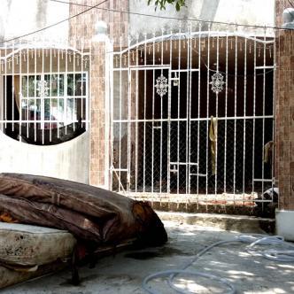 Vecinos intentaron linchar al agresor, quien se escondió dentro de la casa | Javid Martínez