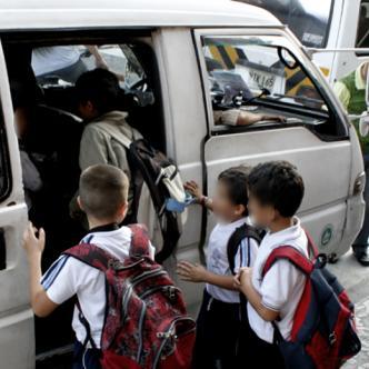 A un edificio, en Bogotá, llegaron preguntando por un niño haciéndose pasar por la ruta que lo recogía para ir al colegio | Ilustrativa