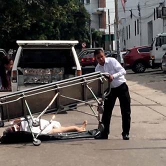 Se presume que la camilla en la que iba el cuerpo no estaba lo suficientemente ajustada a la carroza | ALDÍA