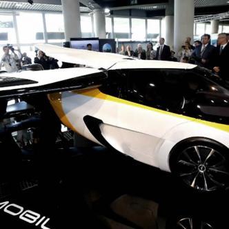 El auto llega hasta una velocidad de 100 millas por hora en tierra y en aire de 224 millas por hora | Cortesía