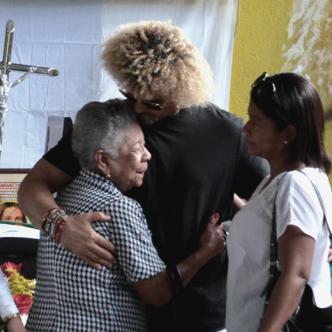 arlos Valderrama en compañía de sus familiares | José Puente Sobrino