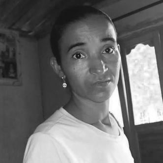 Audrey Mercedes Nieto Ortiz, de 38 años, fue asesinada en la tarde de ayer. El victimario sería su exmarido Eder Hoyos. En el recuadro, Audrey   Foto: Cortesía