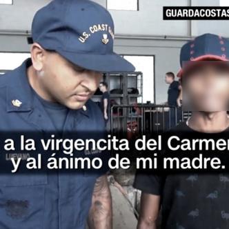 El joven rescatado junto a un guardacosta de los Estados Unidos, agradeció a la Virgen, a Dios y a su mamá | Foto: CNN