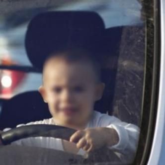 Llevó de paseo a su hermana de 4 años en la camioneta de su papá | Cortesía