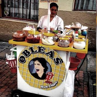 Janet Gutiérrez reestructuró su puesto de obleas típicas en el Centro de Bogotá   Foto: Semana.co