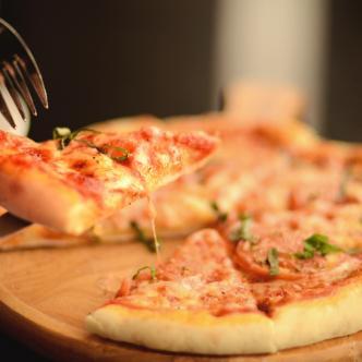 La pizza es uno de los alimentos más consumidos a nivel mundial.