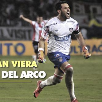 El uruguayo Sebastián Viera tomó el esférico y ejecutó de maneramagistral a los 64 minutos de juego. | Foto: Charlie Cordero y ALDIA.CO