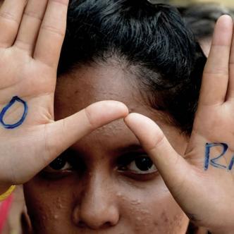 En promedio en la India 6 mujeres son violadas al día   @SwVijayananda /Twitter