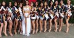 En una de sus misiones por Estados Unidos Barraza (centro) participó como jurado del concurso Miss Belleza México.