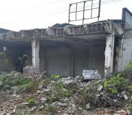 En las ruinas de un motel ubicado en la vía Juan Mina encontraron el cadáver de un hombre.   Al Día