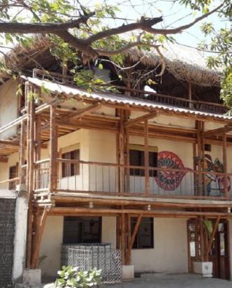 En una de las habitaciones del hotel Cabo Tortuga, en Taganga, fue hallado muerto el turista israelí Nuphar Charuvi. La Sijín llevó el cadáver a Medicina Legal.