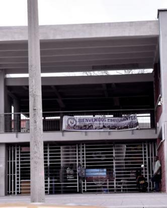 Esta es la fachada del Liceo Nacional almirante José Prudencio  Padilla |  Nelson Rodelo