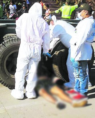 Miembros de criminalística fueron los encargados de la inspección judicial | Fotos de  Bladimir Rebolledo