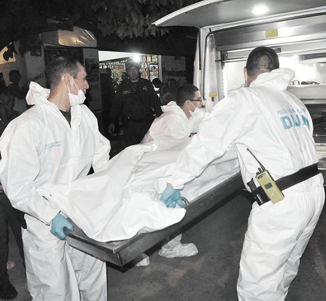 El cadáver de Róbinson quedó tendido en el establecimiento comercial con la lima incrustada en la nariz. | Foto: Archivo