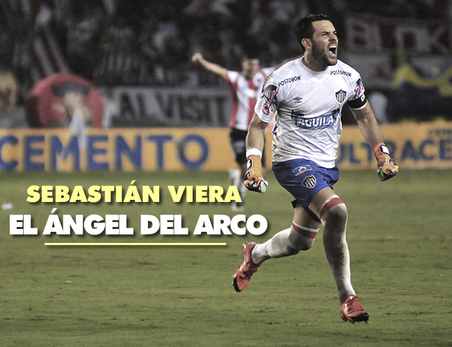 El uruguayo Sebastián Viera tomó el esférico y ejecutó de maneramagistral a los 64 minutos de juego.   Foto: Charlie Cordero y ALDIA.CO