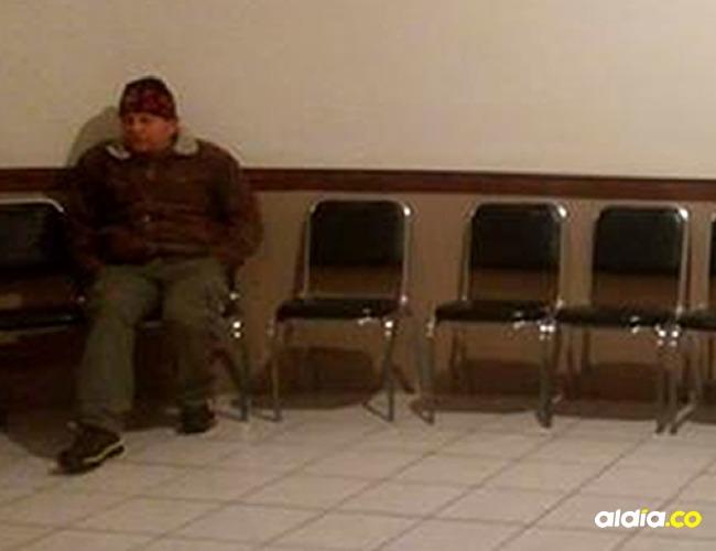 """""""Don Ramón"""" velaba solo a su esposa pero al final del día tuvo un final feliz.   Tomado de: Facebook"""