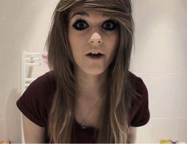Marina Joyce es famosa por sus tutoriales de belleza en YouTube | Foto: Captura de pantalla